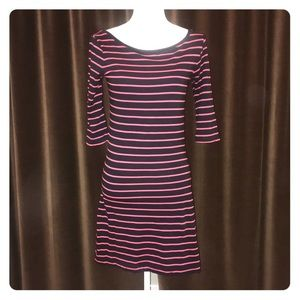 $98 French Connection T-shirt dress size 6
